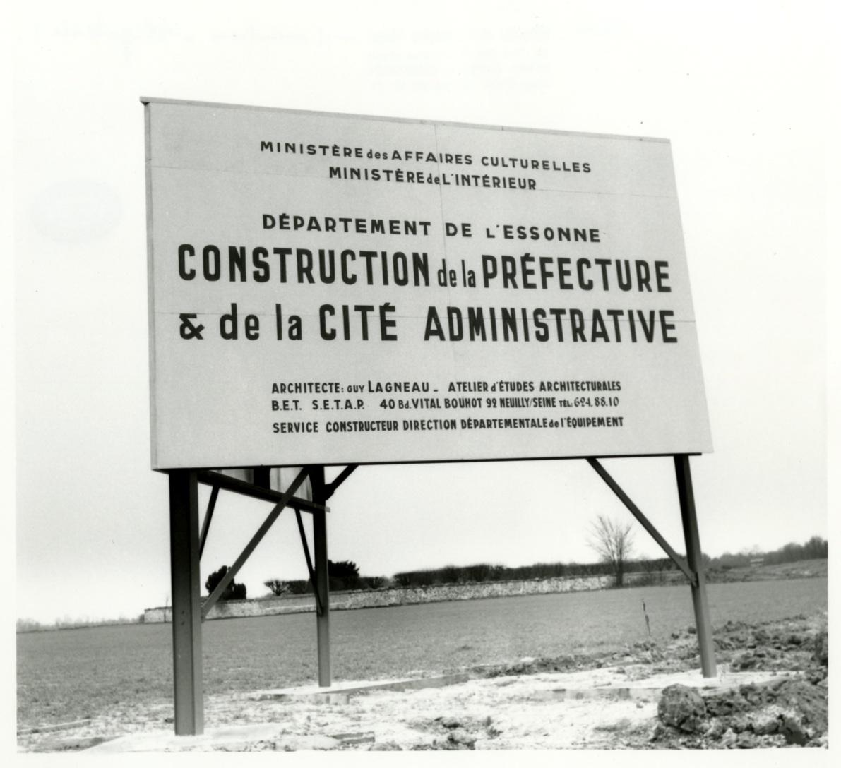 2 Fi 2466_Prefecture construction - panneau
