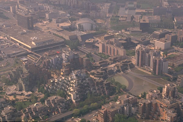 Vue aérienne Pyramides dans les années 1980